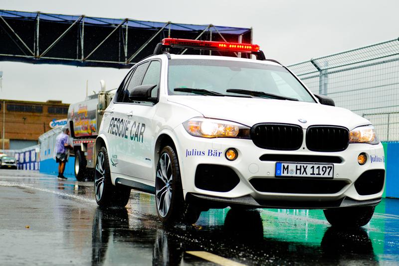 Safest Car Color: BMW Premieres New I8 Safety Car Colors For Formula E