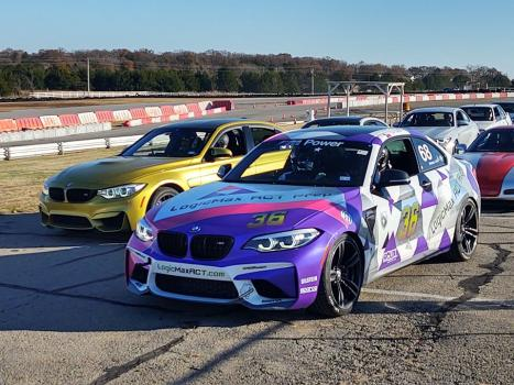 BMWs lined up in Race Track Grid